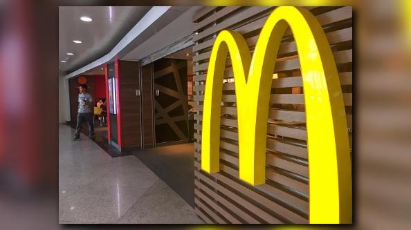 McDonald's moves cheeseburgers off Happy Meal menu
